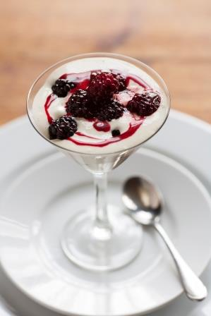 Blackberry and vanilla crème fraiche